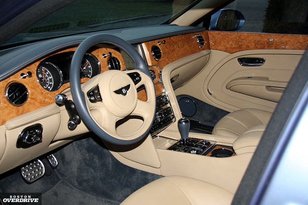 2011-Bentley-Mulsanne-interior.jpg