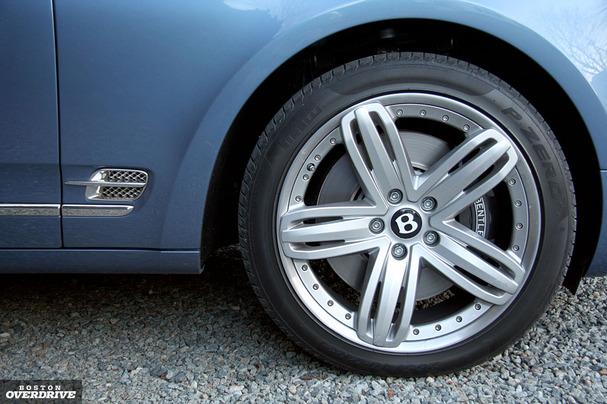 2011-Bentley-Mulsanne-wheel.jpg