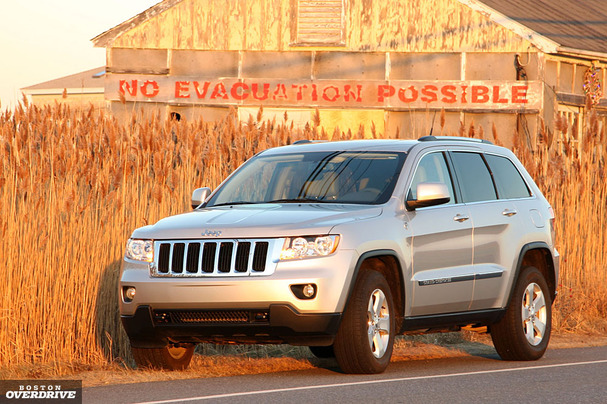 2011-Jeep-Grand-Cherokee-front.jpg