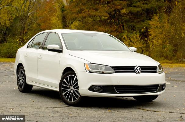 2011-Volkswagen-Jetta-front.jpg