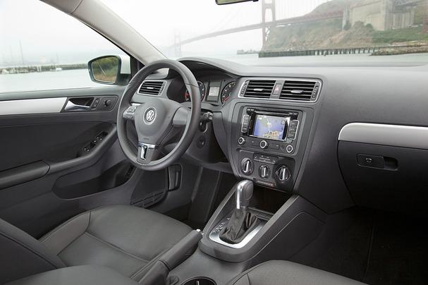 2011-Volkswagen-Jetta-interior.jpg