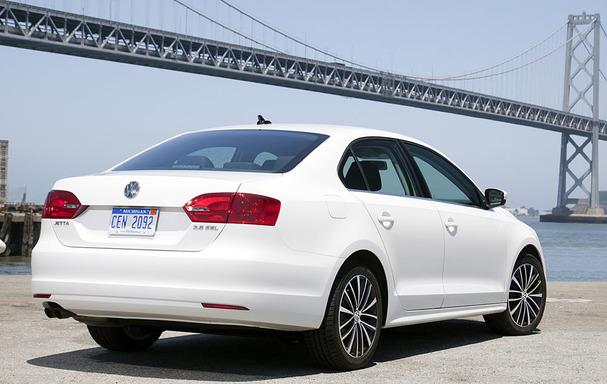 2011-Volkswagen-Jetta-rear.jpg