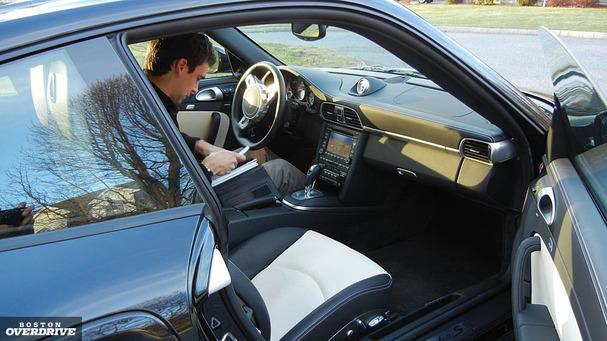 2011-Porsche-911-Turbo-S-interior.jpg