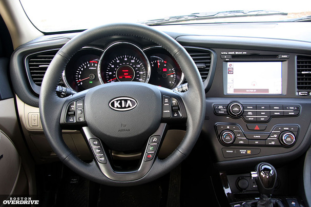 2011-Kia-Optima-interior.jpg