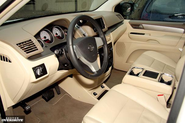 Volkswagen Routan: The also-ran van - Boston Overdrive - Boston.com