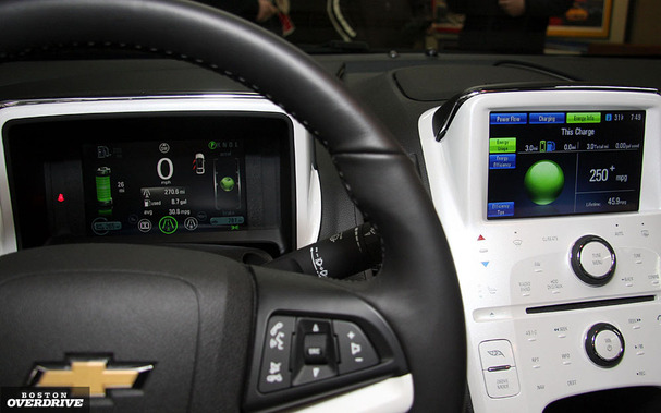 2011-Chevy-Volt-Boston-interior.jpg