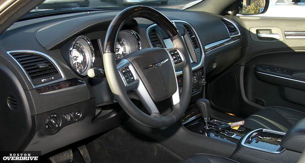 2011-Chrysler-300-interior.jpg