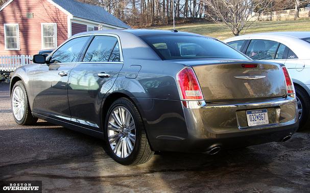2011-Chrysler-300-rear.jpg