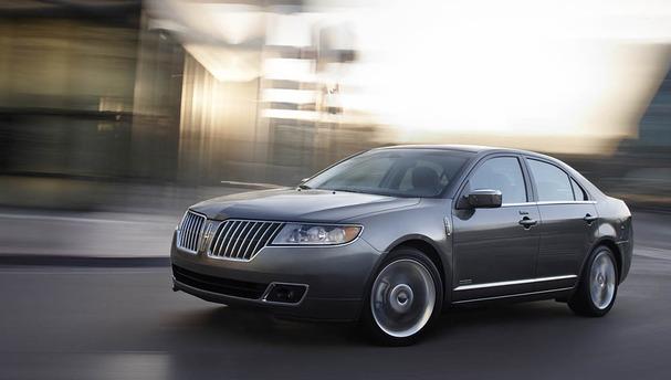 2011-Lincoln-MKZ-Hybrid-front.jpg