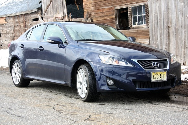 http://www.boston.com/cars/newsandreviews/overdrive/assets_c/2011/04/2011-Lexus-IS350-front-thumb-607x404-38359.jpg