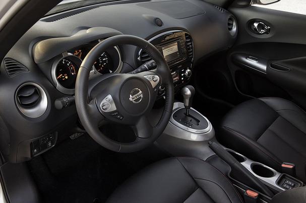 2011-Nissan-Juke-interior.jpg