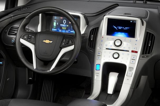 2011-Chevrolet-Volt-interior.jpg