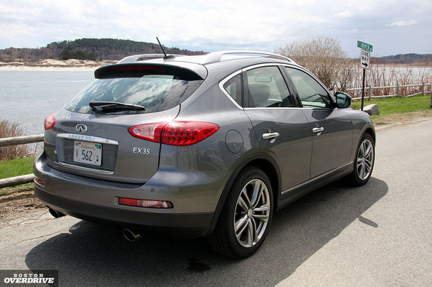 2011-Infiniti-EX35-rear.jpg