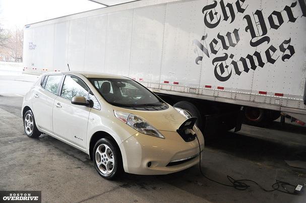 2011-Nissan-Leaf-front-blog.jpg