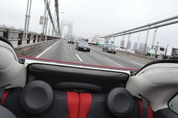 2012-Fiat-500-Cabriolet-GW-bridge.jpg