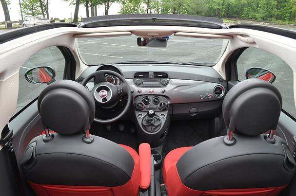 2012-Fiat-500-Cabriolet-interior.jpg