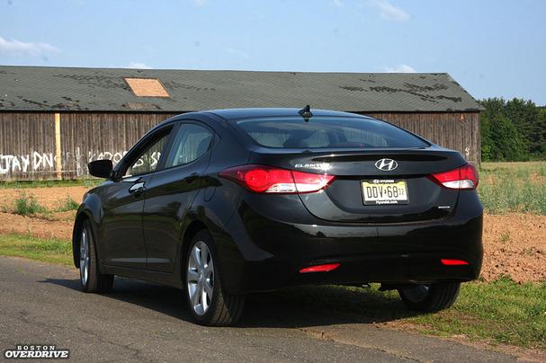 2011-Hyundai-Elantra-rear.jpg