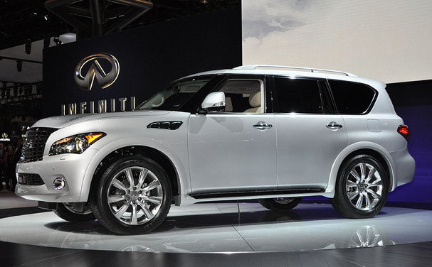 2011 Infiniti QX56: Big on everything but the mileage ...