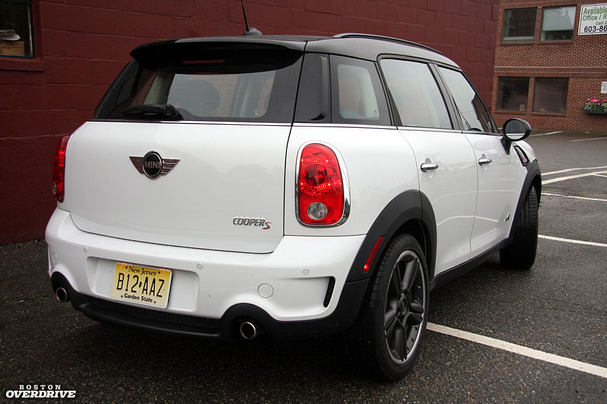 2011-Mini-Countryman-rear.jpg