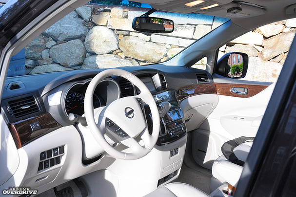 2011-Nissan-Quest-interior.jpg
