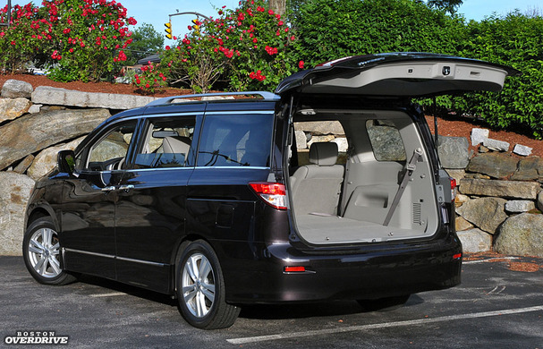 2011-Nissan-Quest-rear.jpg
