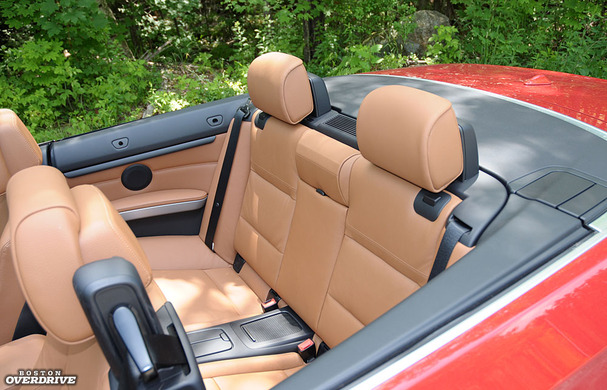2011-BMW-335is-convertible-seats.jpg