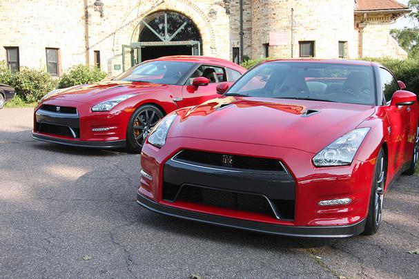 2012-Nissan-GT-R.jpg