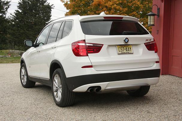 2011-BMW-X3-rear.jpg