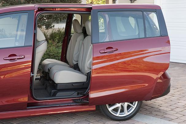 2012-Mazda5-sliding-door-hi.jpg