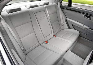 2012-Mercedes-S400-Hybrid-interior-rear.jpg