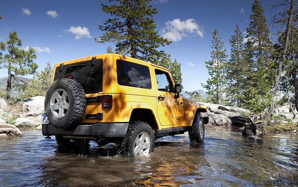 2012-Jeep-Wrangler-rear.jpg