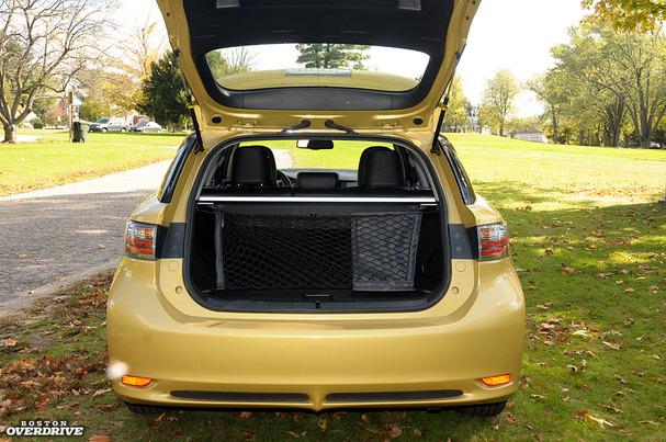 2012-Lexus-CT-200h-hatch.jpg