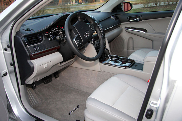 2012 Toyota Camry XLE Interior