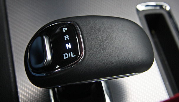 2012-Dodge-Charger-shifter.jpg