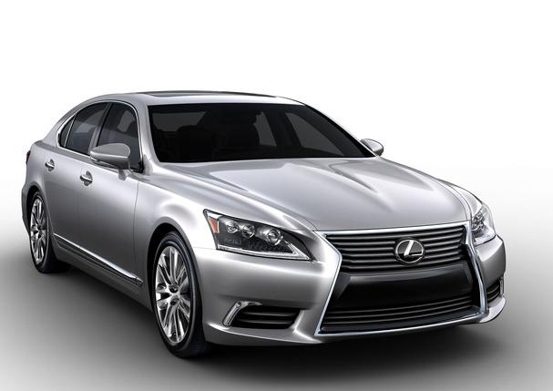 2013_Lexus_LS_460.jpg