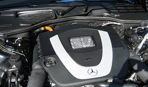 mercedes-s400-hybrid-engine.jpg