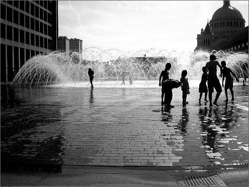 Children_playing_in_water_fountain_at_Prudential.jpg