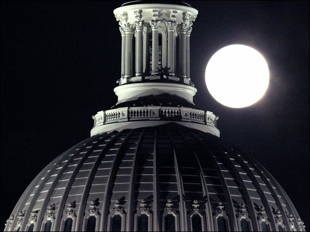 CapitolMoon.jpg