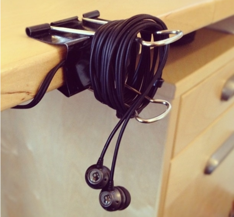 paper clip cord holder.png