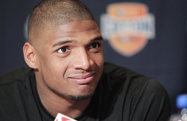 """NFL prospect Michael Sam comes out as """"proud gay man"""""""