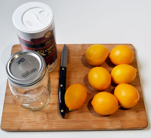 5-minute-DIY-preserved-lemons1.jpg
