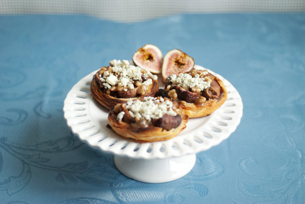 Downton_Abbey_Cookbook_Fig_Tarts.jpg