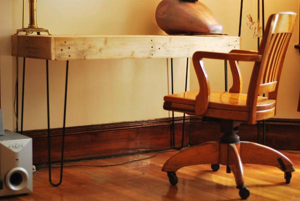 Pallet Desk Trendy diy pallet desk