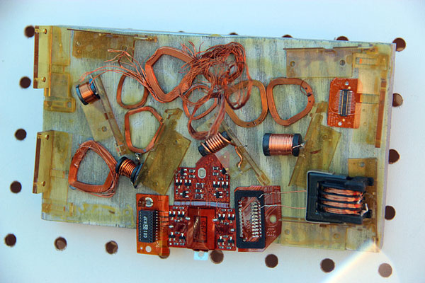 Kids turn e-waste into art at Hacker Junk school vacation classes ...
