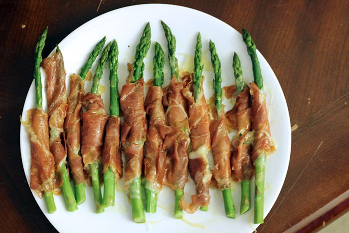 Spring Party Recipe: Prosciutto Wrapped Asparagus - Chow Down Beantown ...