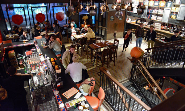 pete wells 39 s review of guy fieri 39 s restaurant funny but