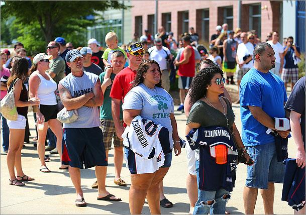 Patriots fans line up to swap Aaron Hernandez jerseys - The Source ... 0a76d8b4f