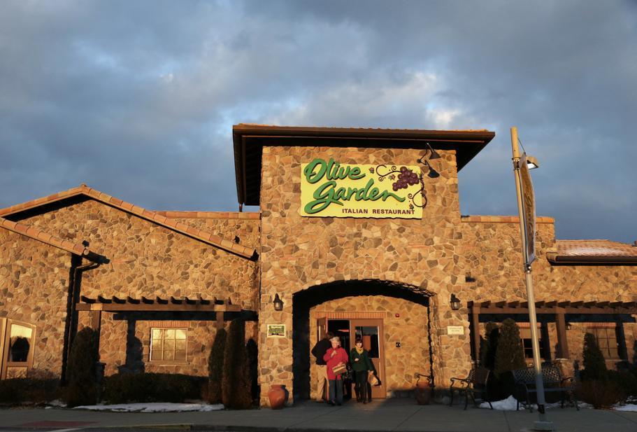 Olive garden wants to pay your date night babysitting tab - Olive garden italian restaurant las vegas nv ...