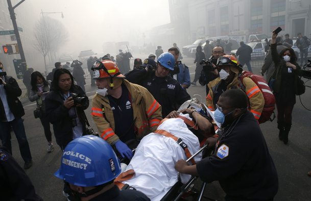 2014-03-12T150055Z_1957341766_GM1EA3C1RS601_RTRMADP_3_USA-NEWYORK-COLLAPSE.jpg