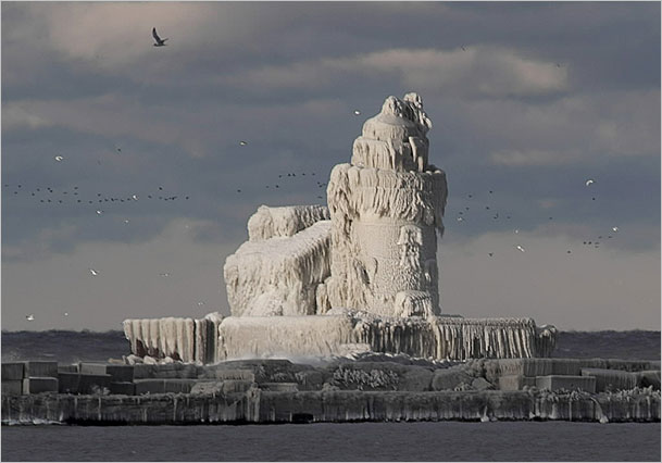 cleveland lighthouse covered in ice